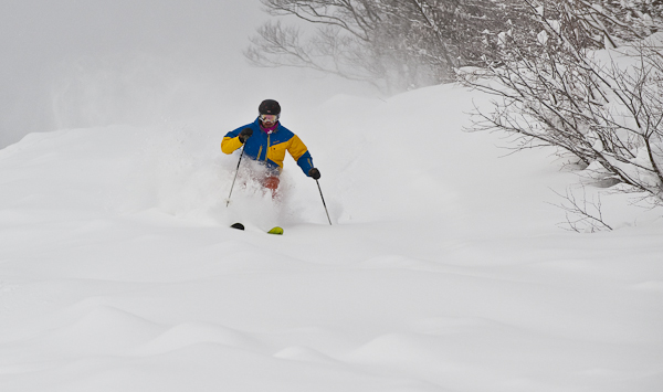 Mark in Powder, Myoko Kogen Snow Report 28 December 2013