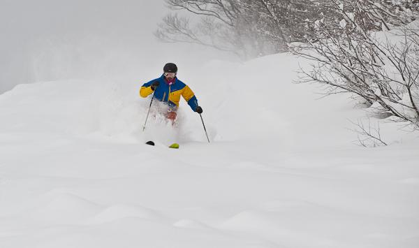 Mark in Powder, Myoko Kogen Snow Report 28 December 2013
