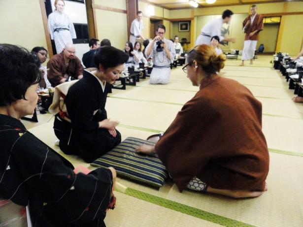 Nozawa Tours, Geisha show